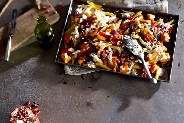 Shiny Happy-Kürbis mit Penne aus dem Ofen Rezept
