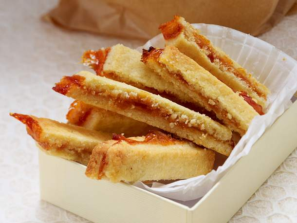Shortbread-Fingerle mit Hagebutte Rezept