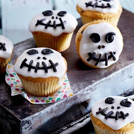 Skelettmuffins mit Lakritzfratze Rezept