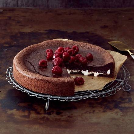 Slutty-Marshmallow-Choco-Cake mit Himbeeren Rezept