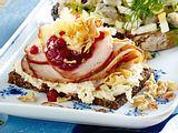 Smørrebrød mit Meerrettich und Schweinebraten Rezept-F8581001