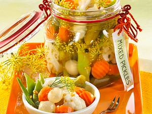 Sommerliche Mixed Pickles Rezept