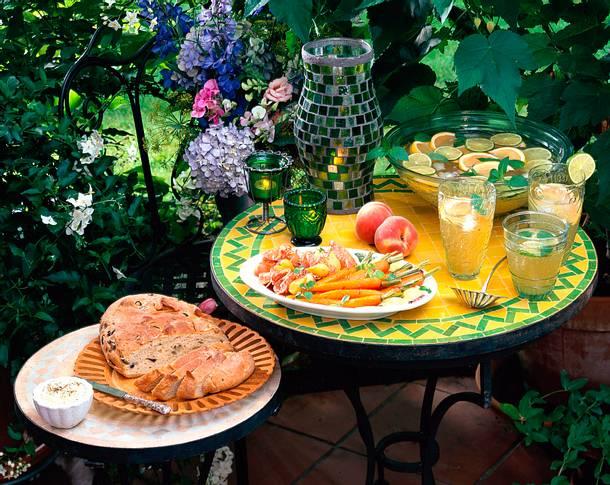 Sommerlicher erfrischender Limetten-Grapefruit-Drink Rezept