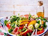 Sommerlicher Nektarinen-Mozzarella-Salat Rezept