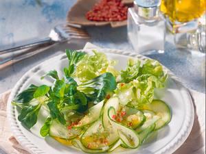 Sommersalat mit Senf-Dressing Rezept