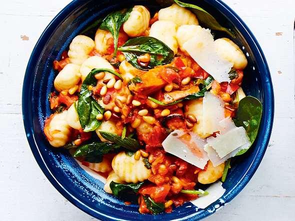 Sorgenfreie Süßkartoffel-Gnocchi-Bowl Rezept
