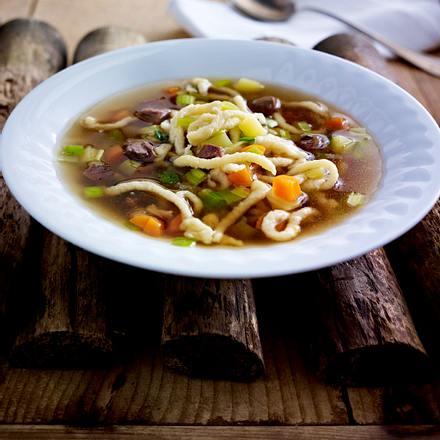 Spätzlesuppe mit Rindfleisch und Gemüse Rezept