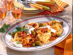 Spagetti mit Tomaten-Hacksoße Rezept