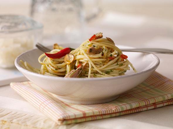 Spaghetti aglio e olio mit Thunfisch Rezept