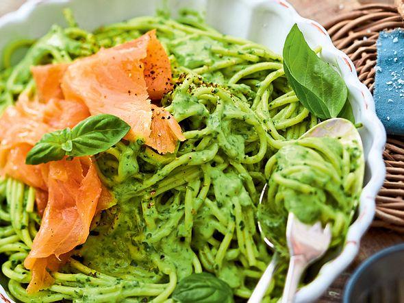 Spaghetti avovanti an Räucherlachs Rezept