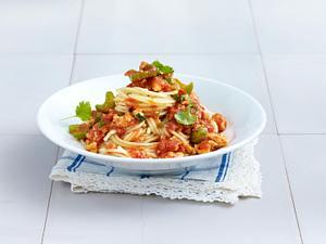 Spaghetti Bolognese mit Ingwer, Staudensellerie, Koriander, Chili und Tofu Rezept