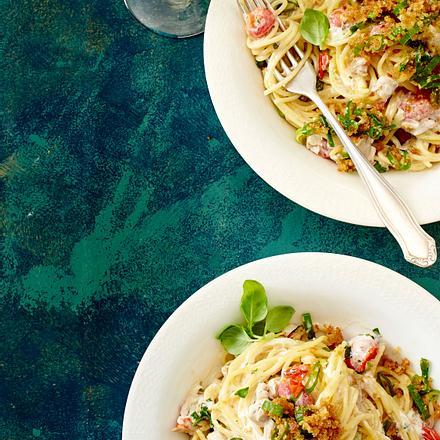 Spaghetti con pollo mit Knusperbröseln Rezept