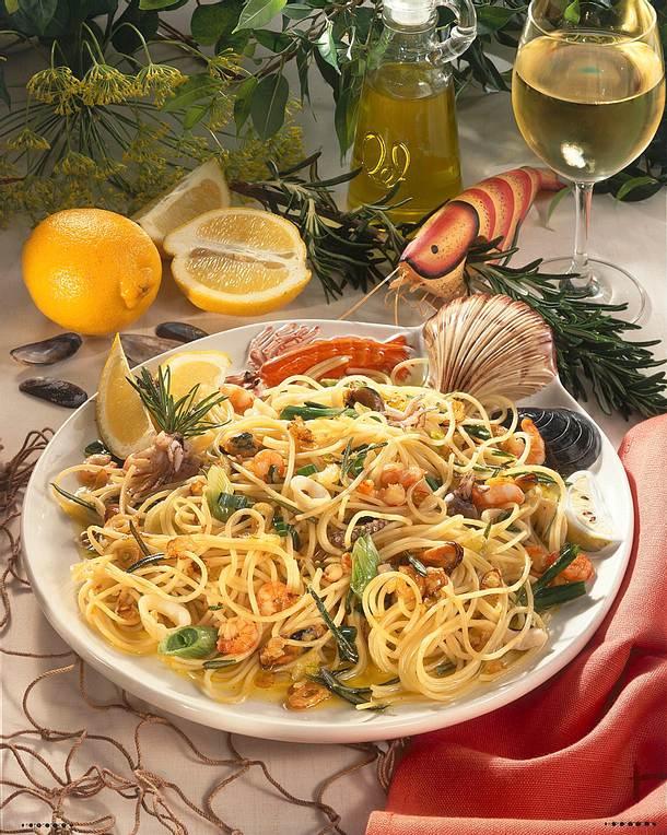 spaghetti frutti di mare rezept lecker