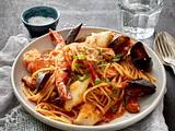 Spaghetti in Muschel-Tomatensoße Rezept