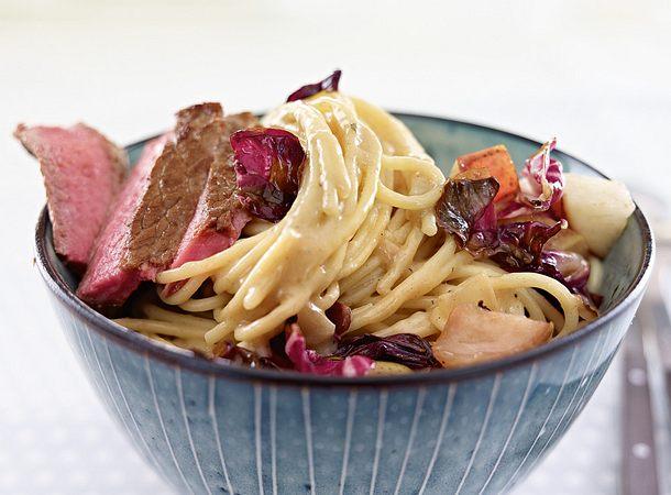 Spaghetti in Parmesansoße mit Radicchio & Steak Rezept