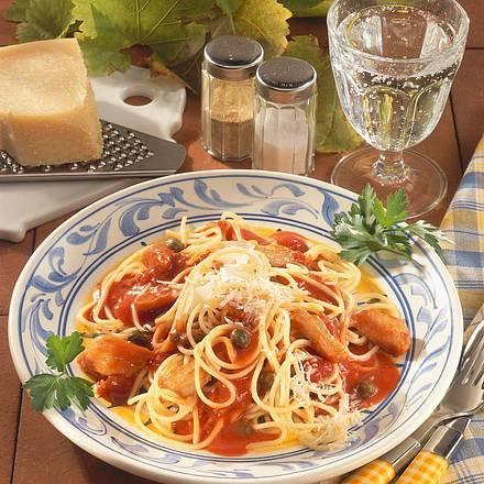 Spaghetti in Tomaten-Kapernsoße Rezept