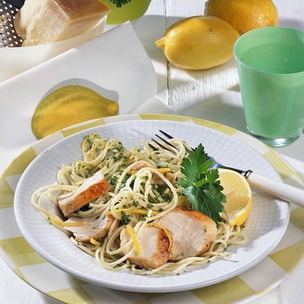 Spaghetti in Zitronen-Hähnchensoße Rezept