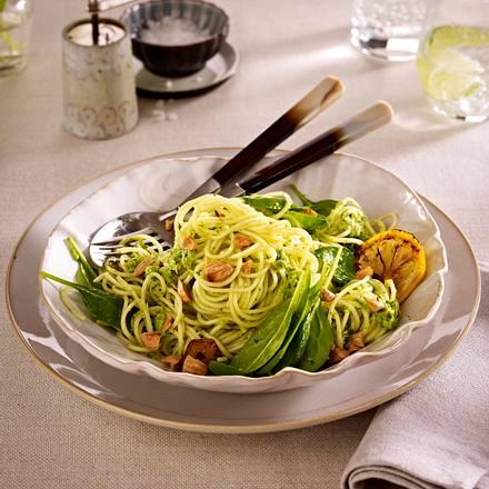 Spaghetti mit Artischockenpüree, Spinat und Mandeln Rezept