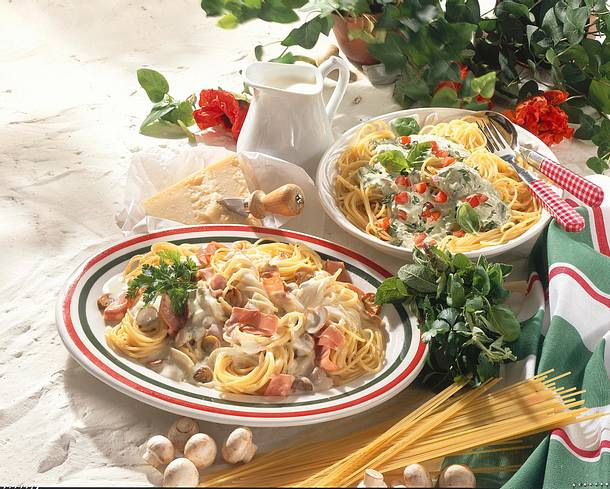 Spaghetti mit Basilikum-Rahm Rezept