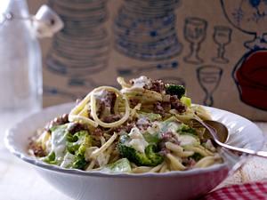 Spaghetti mit Brokkoli und Bresso-Soße Rezept