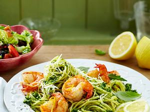 Spaghetti mit drei-Kräuter-Pesto und Garnelen Rezept
