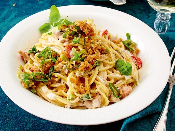 Spaghetti mit geschmortem Hähnchen Rezept