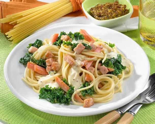 Spaghetti mit Grünkohl-Möhren-Gemüse Rezept