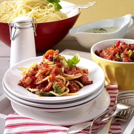 Spaghetti mit Hack- & Käsesoße Rezept