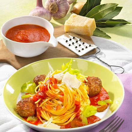 spaghetti mit hackb llchen und tomatenso e rezept chefkoch rezepte auf kochen. Black Bedroom Furniture Sets. Home Design Ideas