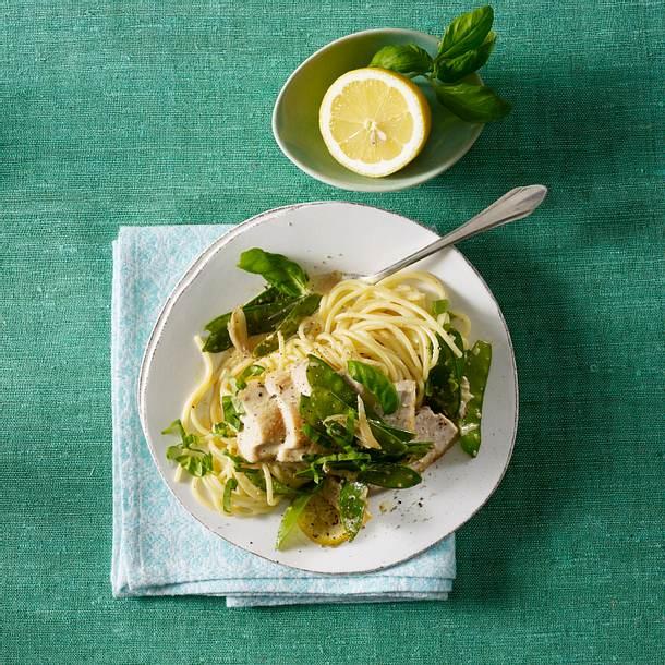 Spaghetti mit Hähnchen-Zitronen-Soße Rezept