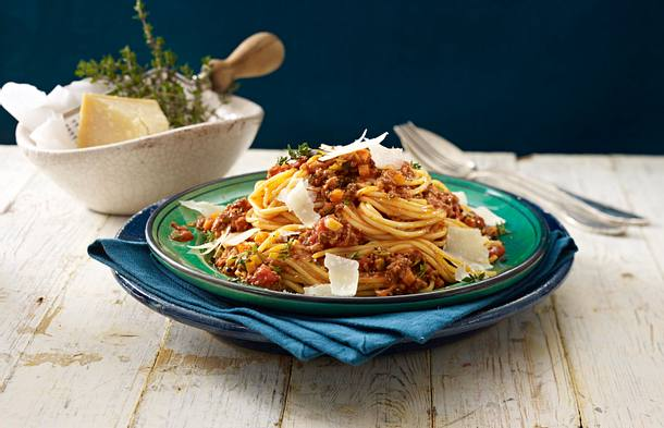 Spaghetti mit klassischer Bolognese Rezept