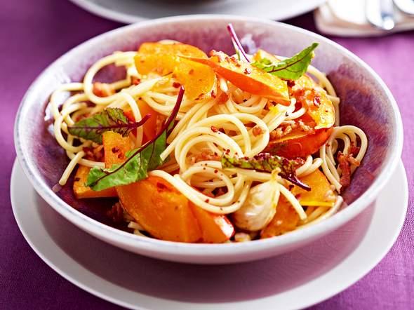Spaghetti mit Kürbis und gebackenem Knoblauch Rezept