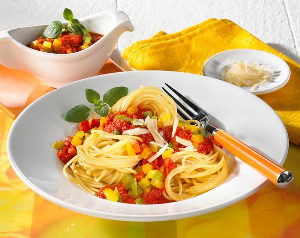 Spaghetti mit Paprika-Bolognese Rezept