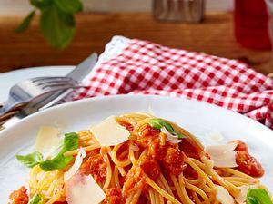 Spaghetti mit Paprika-Pesto Rezept