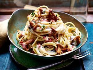 Spaghetti mit Pfifferlingen und Aioli-Sahnesoße Rezept