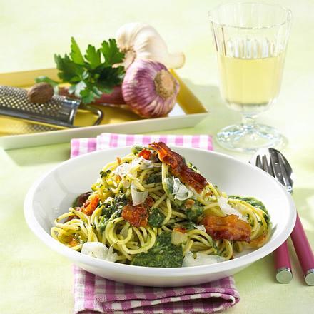Spaghetti mit Rahmspinatsoße Rezept
