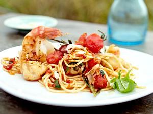 Spaghetti mit Scampi und spicy Tomaten Rezept