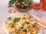 Spaghetti mit Schafskäse & Oliven Rezept