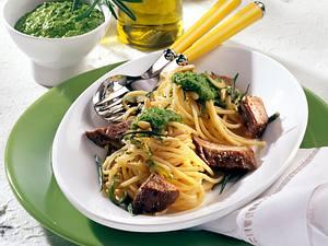 Spaghetti mit Spinatpesto und Lammlachse Rezept