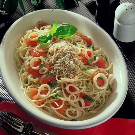 Spaghetti mit Tintenfisch (Spaghetti con le seppie) Rezept