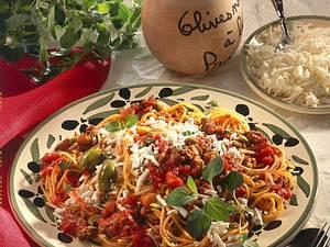 Spaghetti mit Tomaten-Hacksoße Rezept