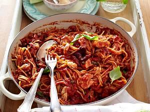 Spaghetti mit Tomaten-Thunfisch-Sugo Rezept