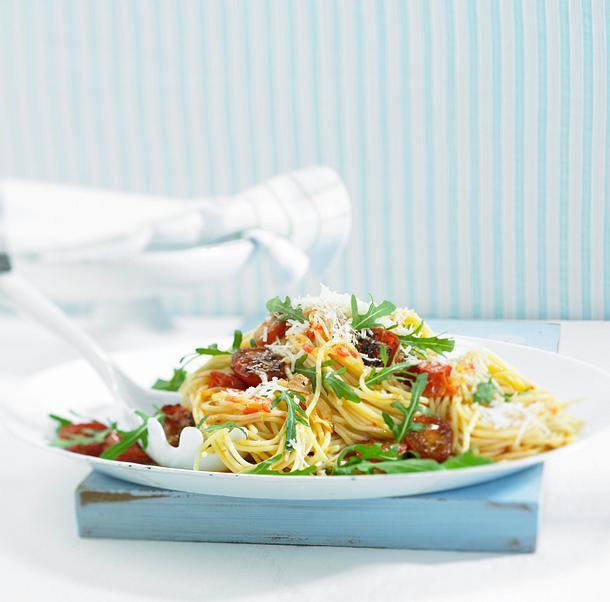 Spaghetti mit Tomaten und Rucola Rezept
