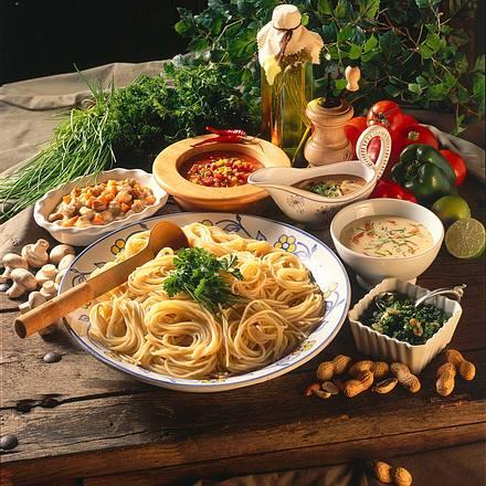 Spaghetti mit verschiedenen Soßen Rezept