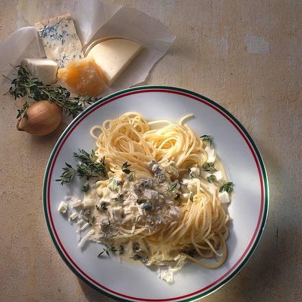 Spaghetti mit Vier-Käse-Soße Rezept