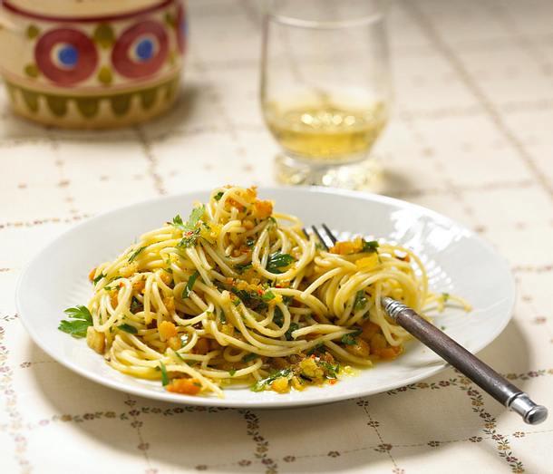 Spaghetti mit Weißbrotbrösel Rezept