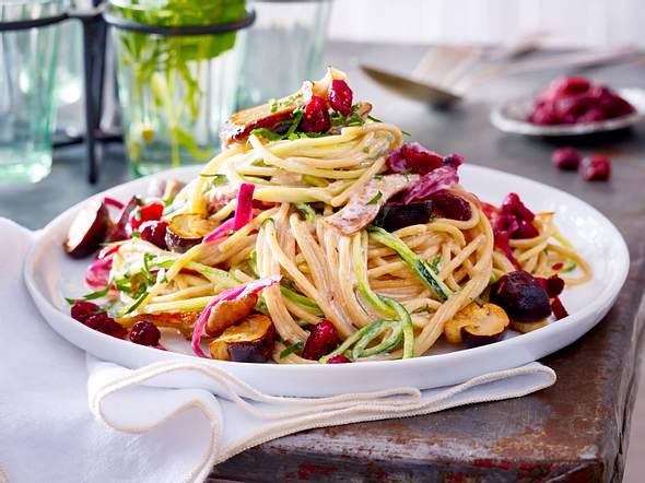 Spaghetti mit Pilzcremesoße und Cranberries Rezept