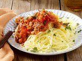 Spaghettikürbis mit Bolognese
