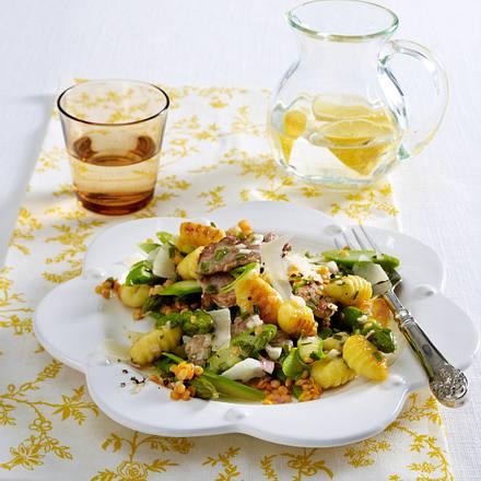 Spargel-Gnocchi-Salat mit Schweinefilet Rezept