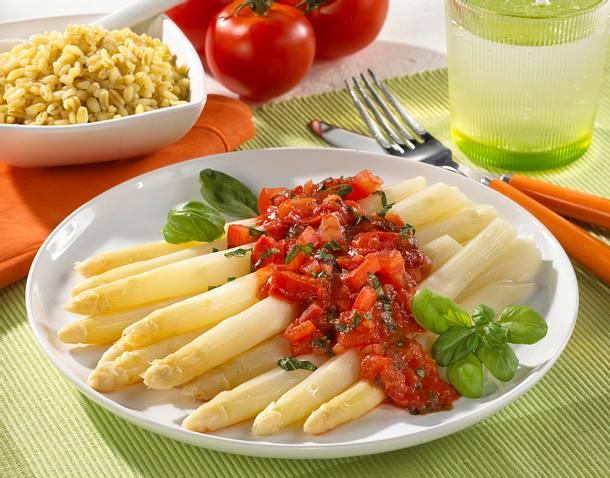 Spargel mit Tomaten-Basilikum-Soße Rezept